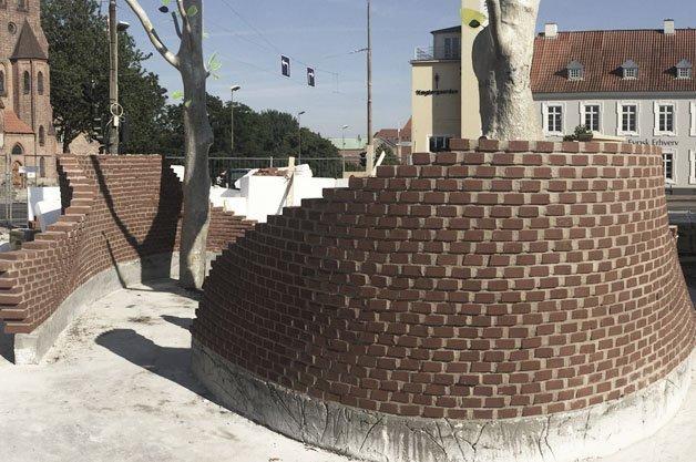 Strøjer Tegl støtter skæve idéer med mursten